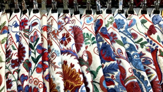 oriental pillows at grand bazaar in istanbul - grand bazaar istanbul stock videos & royalty-free footage