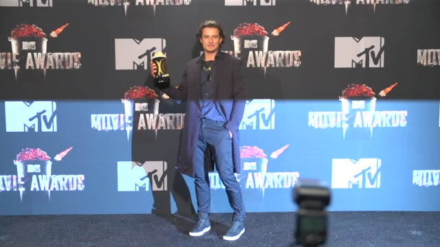 orlando bloom at the 2014 mtv movie awards at nokia theatre la live on april 13 2014 in los angeles california - orlando bloom stock videos & royalty-free footage