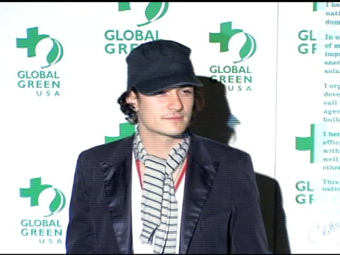 orlando bloom at the clean energy solutions music at 'rock the earth' with hollywood stars joining global green at day after club in hollywood... - orlando bloom stock videos & royalty-free footage