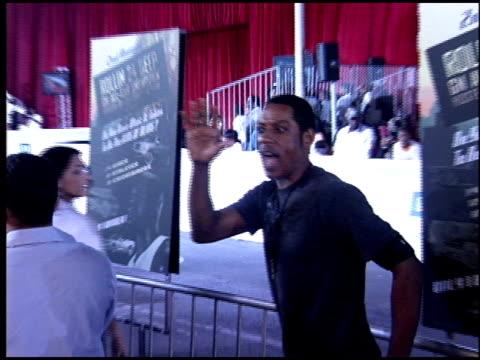 orlando jones at the rolling 24 deep gm all car showdown at paramount studios in hollywood, california on july 12, 2005. - orlando jones stock videos & royalty-free footage
