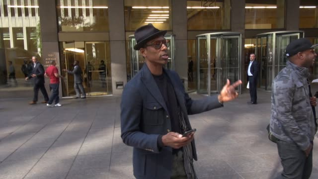 orlando jones leaving siriusxm satellite radio, poses with fans on september 23, 2014 in new york city. - orlando jones stock videos & royalty-free footage