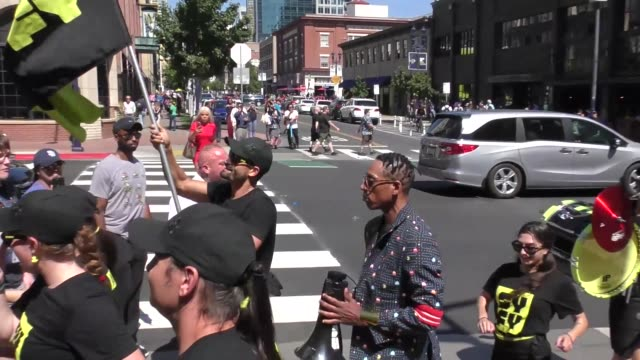 orlando jones marches with a band on day 2 of san diego comic-con international at celebrity sightings in san diego on july 19, 2019 in san diego,... - orlando jones stock videos & royalty-free footage