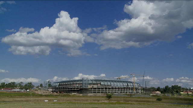 orlando stadium stands against a blue sky. available in hd. - international team soccer stock videos & royalty-free footage