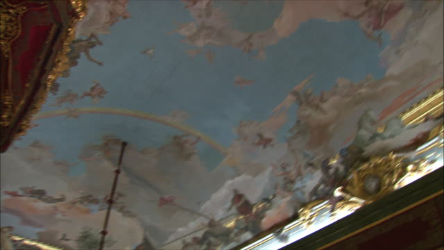 stockvideo's en b-roll-footage met ms la pan ornate ceiling with frescoes in royal palace, madrid, spain - religieuze illustratie