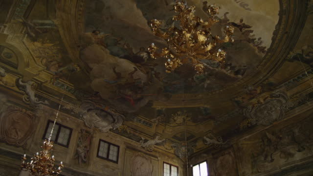 WS LA PAN Ornate ceiling with gilded lamp / Venice,Veneto