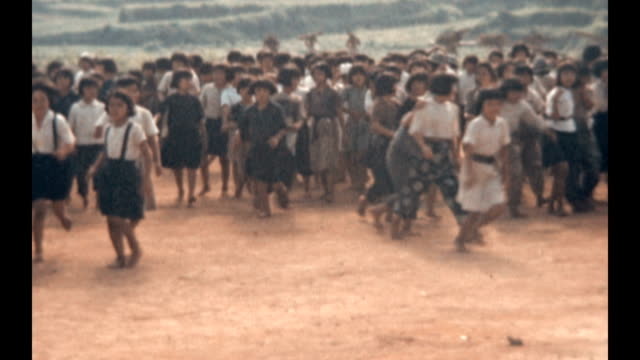 vidéos et rushes de orphanage in ishikawa prefecture during post war us occupation - orphelin