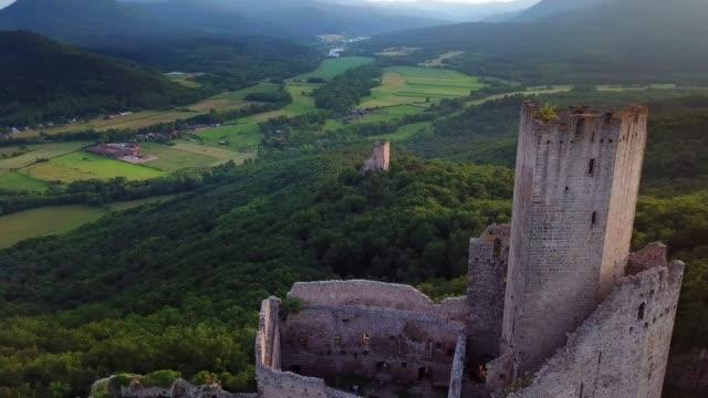 vidéos et rushes de ortenbourg castle aerial view from drone - vestige antique