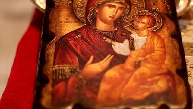 chiesa ortodossa icona - religioni e filosofie video stock e b–roll
