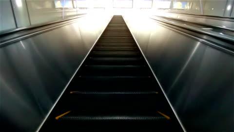 vídeos y material grabado en eventos de stock de hd: escalera mecánica osaka subiendo. - moverse hacia arriba