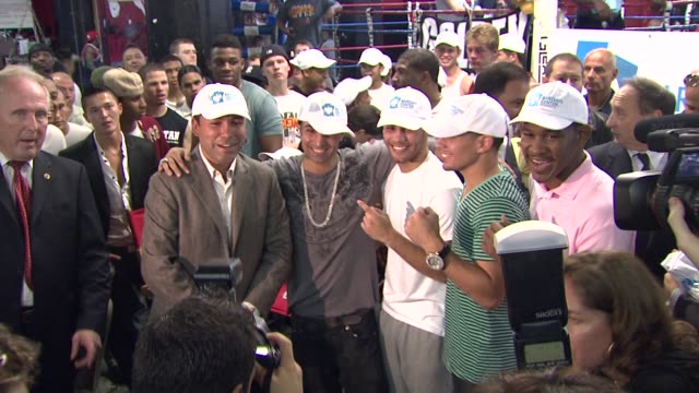 oscar de la hoya paul malignaggi participant danny garcia and danny jacobs at the oscar de la hoya leads boxing clinic for teenage boxers of usa... - participant stock videos and b-roll footage
