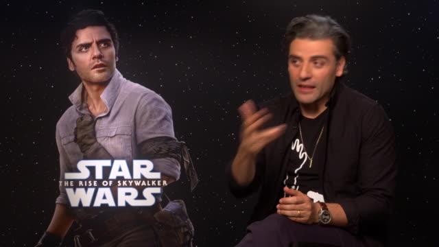 "vídeos de stock, filmes e b-roll de oscar isaac interview for the ""star wars: the rise of skywalker"" presentation in madrid - série de filmes star wars"