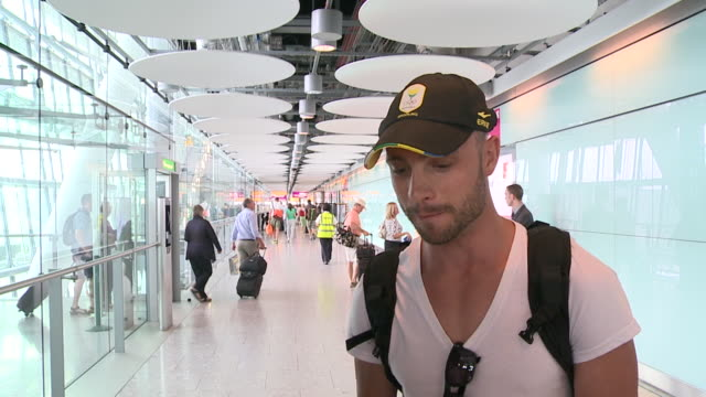 oscar pistorius arrives at heathrow for london olympics and talks about his prospects and battle to get selected - リーバ・スティンカンプ点の映像素材/bロール