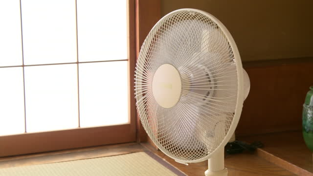 cu, oscillating fan in japanese room, tokyo, japan - electrical equipment stock videos & royalty-free footage