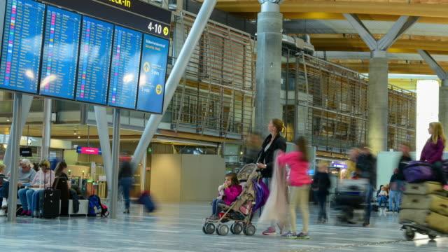 vídeos de stock, filmes e b-roll de oslo gardermoen aeroporto de oslo. - aeroporto gardermoen de oslo