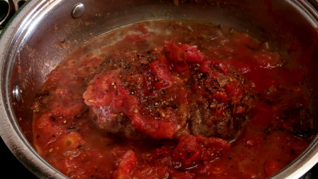 osso bucco cooking - kalb stock-videos und b-roll-filmmaterial