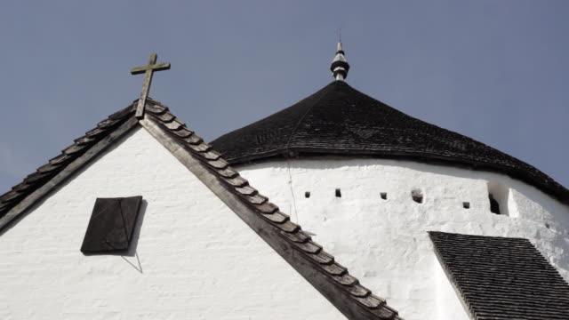 cu osterlars round church / bornholm, denmark - 13世紀頃点の映像素材/bロール
