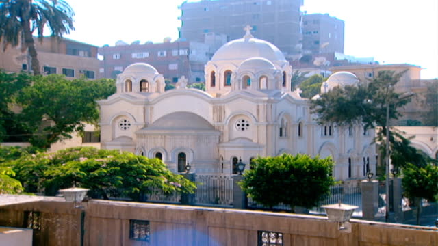 our lady of zeitoun church. view of the church. the virgin mary is said to have miraculously appeared above the church in 1968. - 奇跡点の映像素材/bロール