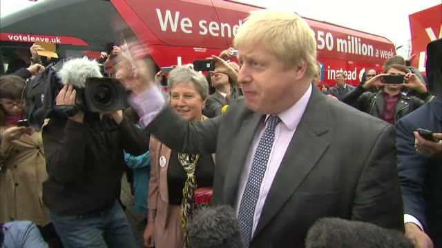 our senior political correspondent jason farrell has spent the day with former london mayor boris johnson as he began a tour of the country to drum... - 2016 european union referendum stock videos & royalty-free footage