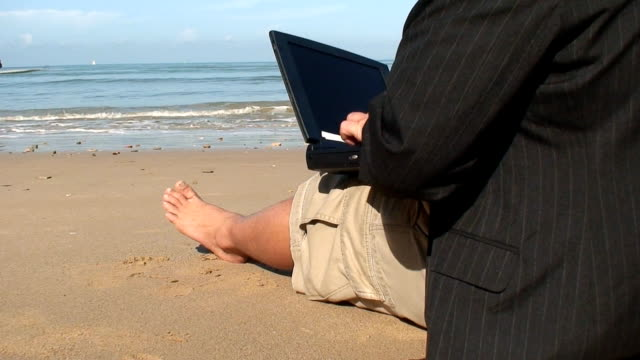 out of office - hot desking stock videos & royalty-free footage