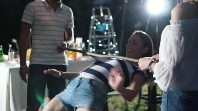vidéos et rushes de fête en plein air - humor