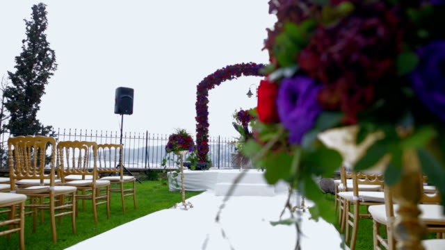 outdoor Wedding aisle decorations with flowers