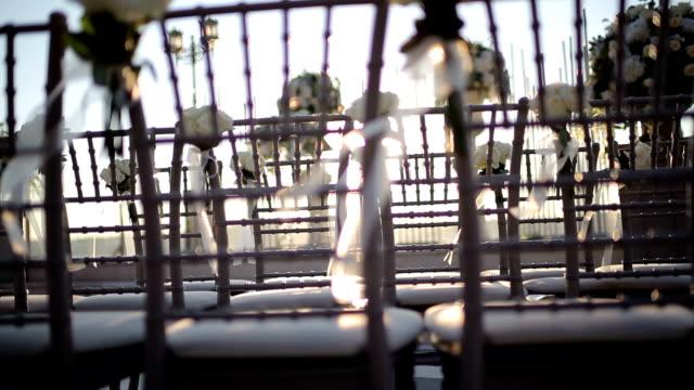 vídeos de stock e filmes b-roll de outdoor wedding decoration stock video - formal