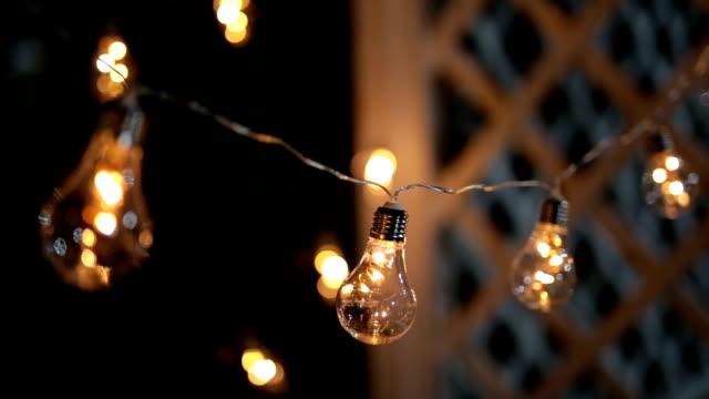 romantisches licht im freien - led leuchtmittel stock-videos und b-roll-filmmaterial