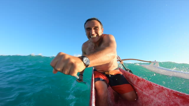 pov outrigger canoe paddling surfing in waikiki, honolulu, oahu, hawaii. - time-lapse - oar stock videos & royalty-free footage