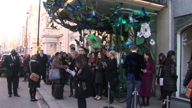 outside claridges at mulberry london fashion week a/w 2013 on february 17, 2013 in london, england. - claridge's stock videos & royalty-free footage