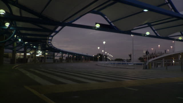 ms outside road of airport / jacksonville, fl, united states - jacksonville florida video stock e b–roll