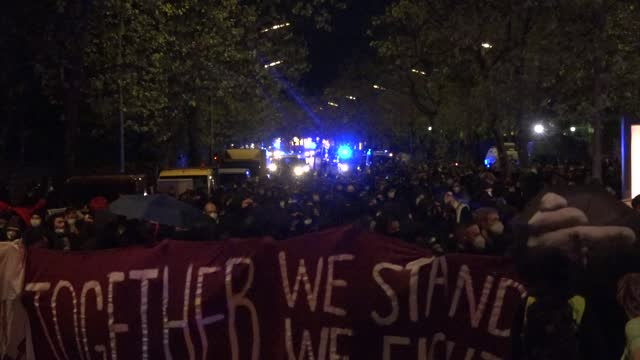 stockvideo's en b-roll-footage met over 1000 far-left protesters marched through the mitte district on may 15, 2021 in berlin, germany. the march takes place due to the possible... - berlin mitte