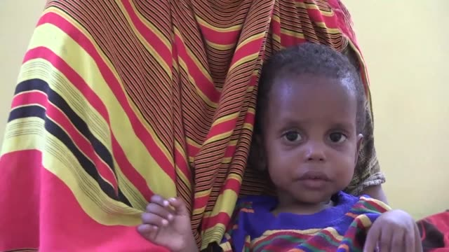 over 58,000 children will starve to death in somalia without urgent support the united nations warns amid severe drought in the impoverished and war... - horn of africa stock videos & royalty-free footage