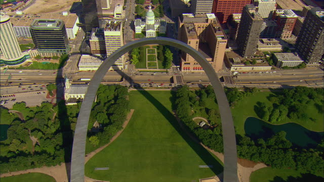 AERIAL Over Gateway arch toward Old Courthouse and Kiener Plaza/ St. Louis, Missouri
