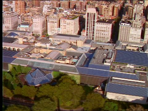 vídeos y material grabado en eventos de stock de aerial over metropolitan museum of art / nyc - met