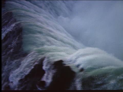 aerial over niagara falls - naturwunder stock-videos und b-roll-filmmaterial