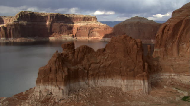 over rock formation in lake powell - lake powell stock videos & royalty-free footage