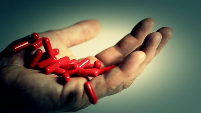 vídeos de stock, filmes e b-roll de hd câmera lenta: overdose - overdose