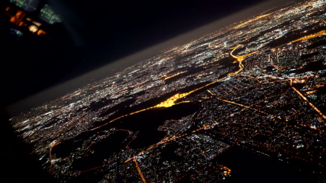 overflying johannesburg by night - inquadratura da un aereo video stock e b–roll