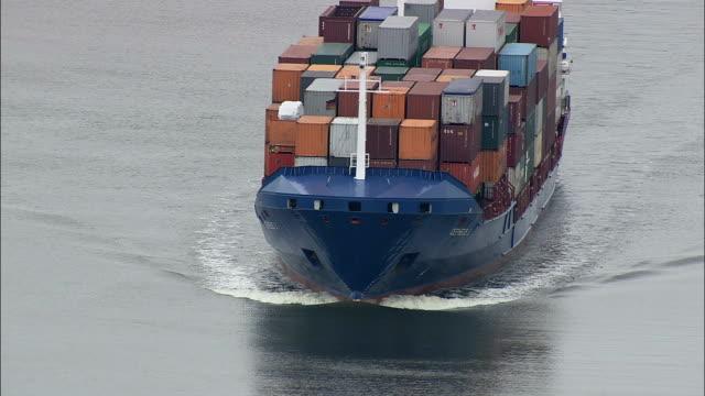 vidéos et rushes de porte-conteneurs généraux sur le canal de kiel - vue aérienne - schleswig-holstein, allemagne - mer du nord