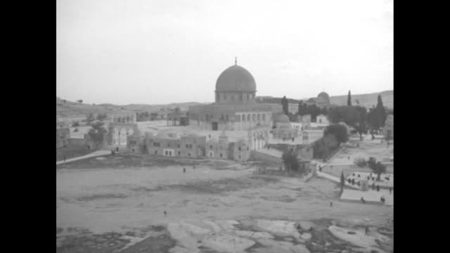 overhead panning shot of old city / overhead shot dome of the rock / pan across old city / overhead shot of dome of the rock, pan across to hebrew... - old town stock videos & royalty-free footage