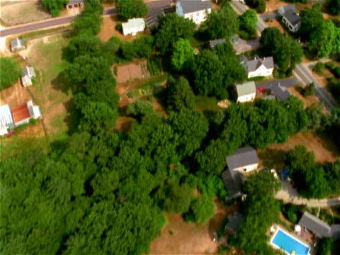 overhead view of residential neighborhood - doppelhaus stock-videos und b-roll-filmmaterial