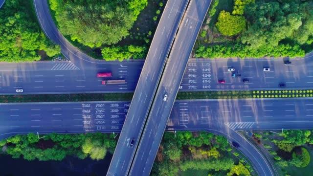 luftaufnahme der überführung - schanghai stock-videos und b-roll-filmmaterial