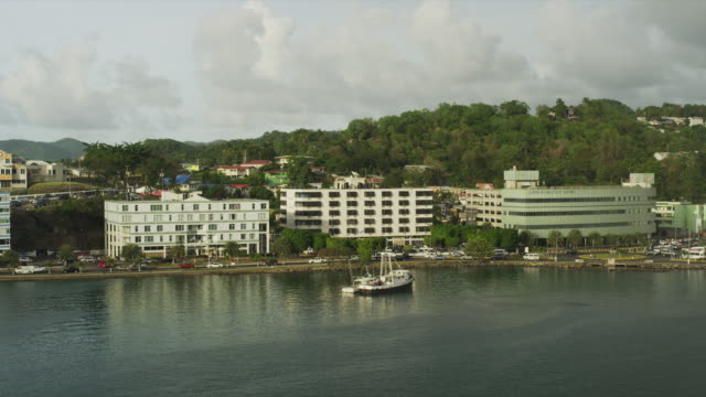 stockvideo's en b-roll-footage met ws ha overview of harbor / castries, st. lucius, caribbean - verblijfsoord