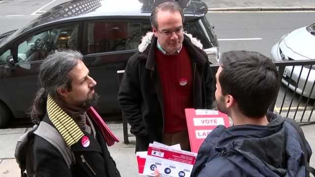 owen smith fired from shadow cabinet / jeremy corbyn under fire for defending antisemitic mural various shots labour activists outside meeting and... - soziale gerechtigkeit stock-videos und b-roll-filmmaterial