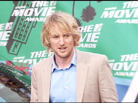owen wilson at the 2006 mtv movie awards red carpet at sony pictures studios in culver city california on june 3 2006 - 2006 個影片檔及 b 捲影像