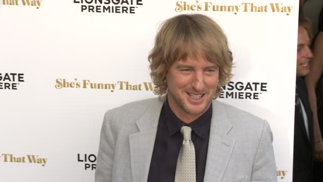 """owen wilson at the """"she's funny that way"""" los angeles premiere at harmony gold theatre on august 19, 2015 in los angeles, california. - オーウェン・ウィルソン点の映像素材/bロール"""