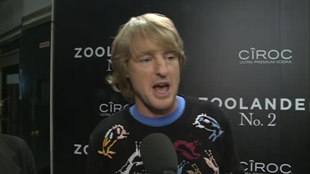 owen wilson in 'zoolander no. 2' madrid fan screening - オーウェン・ウィルソン点の映像素材/bロール