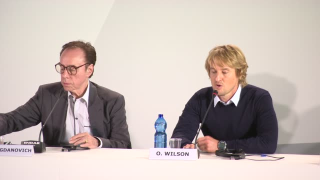 owen wilson on the similarities with woody allen's midnight in paris at ''she's funny that way' press conference - 71st venice international film... - she's funny that way点の映像素材/bロール