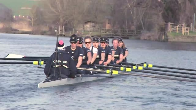 oxford and cambridge university boat race 2015 preview of first women's race england ext oxford university crew rowing along river during training - oxford england stock videos & royalty-free footage