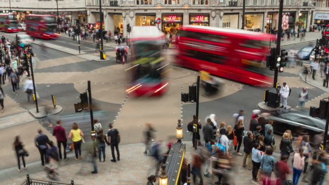 oxford circus station london time lapse - uk video stock e b–roll